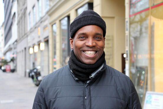 Berlin Bouncer Smiley Baldwin