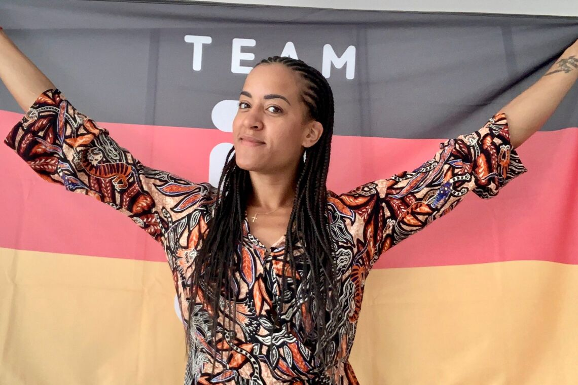 Alex_Ndolo_Deutschlandflagge_
